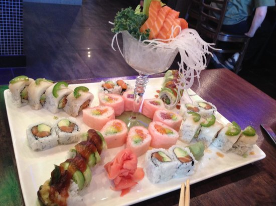 Hutong Sushi & Grill: We put ourselves in the sushi Chef's hands and we had a great meal!