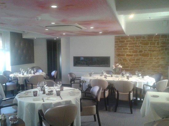 Les Platanes : Superbe salle à manger!