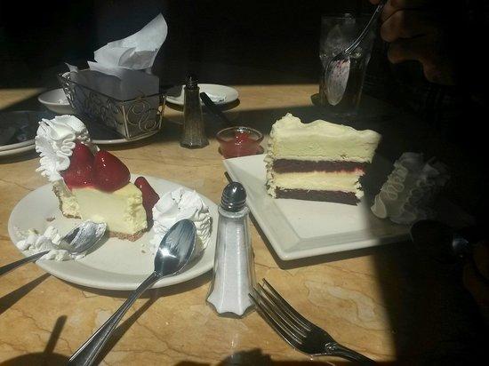 The Cheesecake Factory: Con esta delicia comen dos!! Faaaabulosos!!!