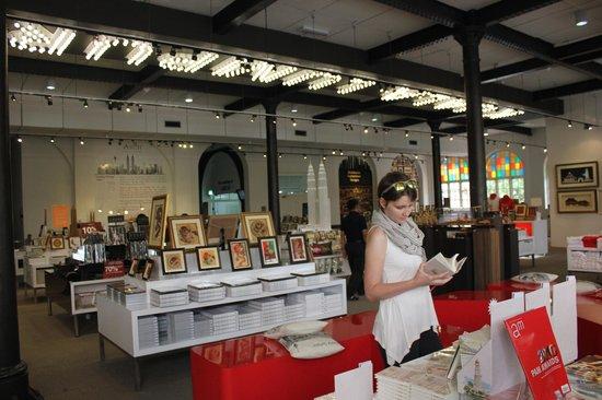 Kuala Lumpur City Gallery: Сувенирный магазин