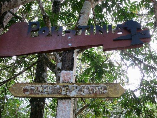 Poustinia Land Art Park: Entrance