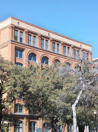 The Sixth Floor Museum/Texas School Book Depository: The Six Floor Museum