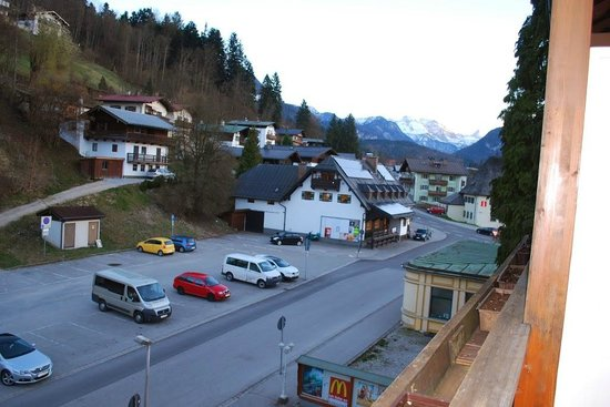 Hotel Gruenberger : view from the small balcony towards the back of the hotel
