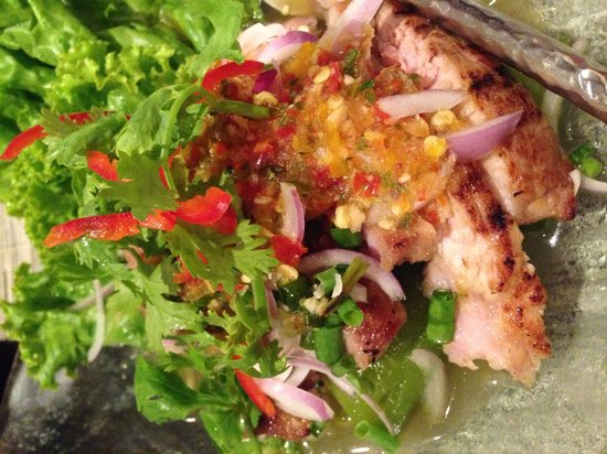 Thai on 4: Grilled pork salad.. Very very tasty.. Perfect for people who can eat spicy food...