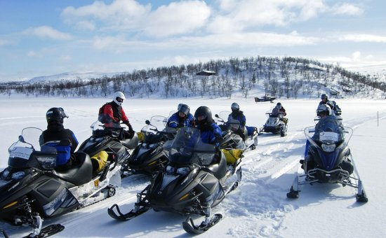 Visit Inari Safaris: Snowmobile safaris to the Arctic Ocean