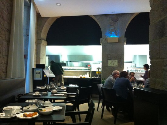 Carris Porto Ribeira: Restaurante