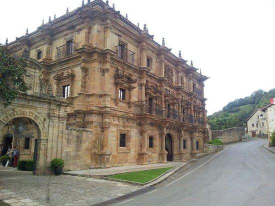 abba Palacio de Sonanes: Vista exterior del Palacio de Soñanes