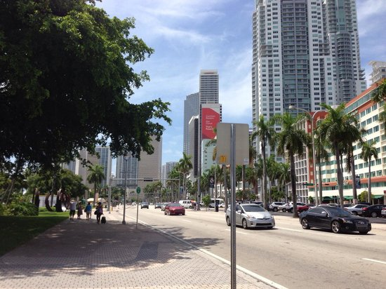 Miami Marriott Biscayne Bay: Weg zur Bayside Mall