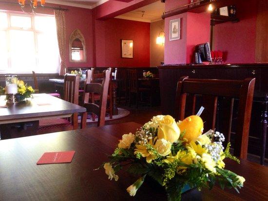 The Temple Inn: Mothering Sunday Flowers