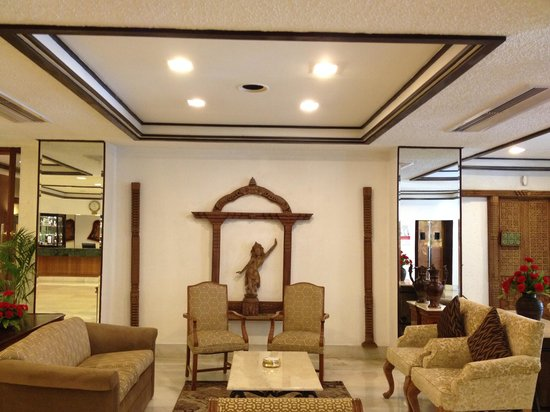 Crowne Plaza Kathmandu-Soaltee: Hotel Lobby