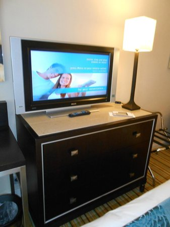 Renaissance Amsterdam Hotel : Flat Screen TV