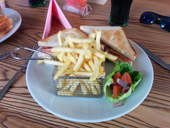 Mr D's Diner: Club Sandwich