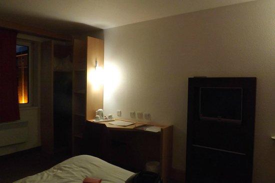 Ibis Dublin: Bedroom