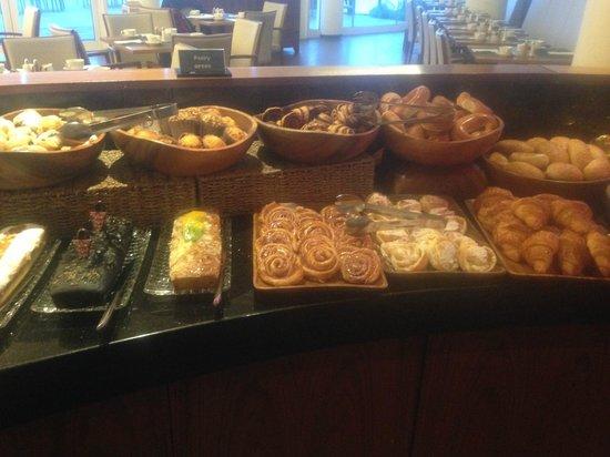 InterContinental David Tel Aviv: breakfast sweets