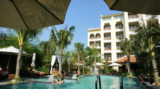 Essence Hoi An Hotel & SPA: ホテルの建物