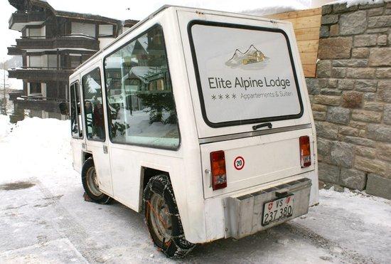 Elite Alpine Lodge: ELEKTROFAHRZEUG FÜR SHUTTLE-SERVICE