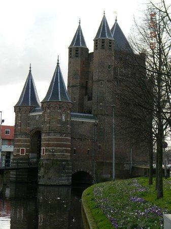 Amsterdamse Poort: front