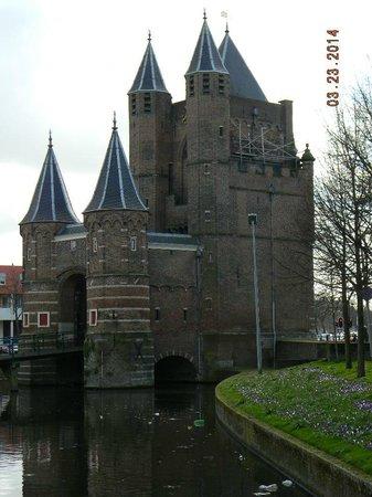 Amsterdamse Poort: side