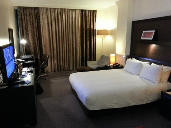 Hilton London Canary Wharf: Double bed accommodations on 7th floor