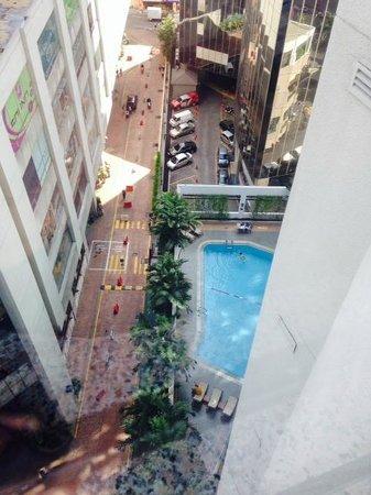 Melia Kuala Lumpur: Swimming Pool
