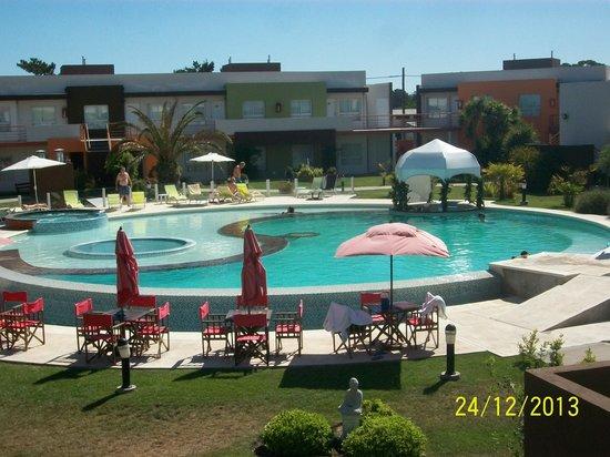 Alto Miramar Resort & Spa: La pileta en su esplendor