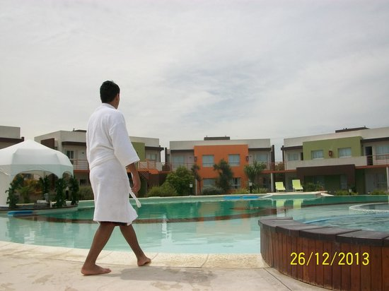 Alto Miramar Resort & Spa: Mi hijo disfrutando la pile