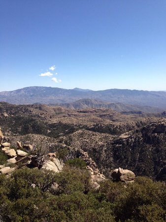 Mt. Lemmon Scenic Byway : One rest stop allows you to walk our on the rocks.