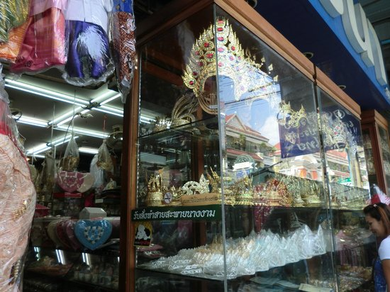 photo2.jpg - Picture of Phahurat Market (Little India), Bangkok - TripAdvisor