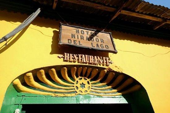 Hotel Villa del Lago : 正面入口