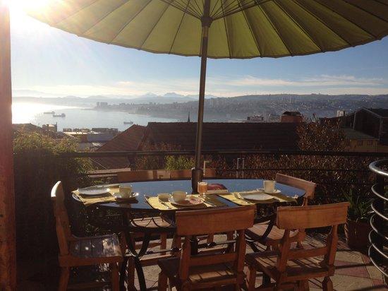 Hotel Boutique Acontraluz : petit déjeuner face à la baie