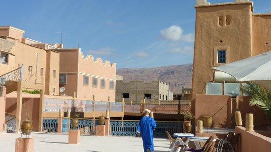 Hotel Restaurant La Kasbah: La terrasse du petit dejeuner