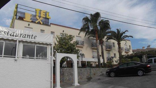 Al-Andalus Hotel: LA FACHADA DEL HOTEL
