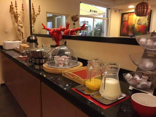 Anco Hotel: Complimentary breakfast