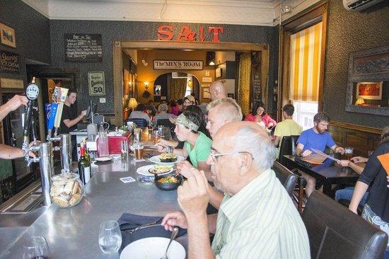 Saalt Pub: Bar