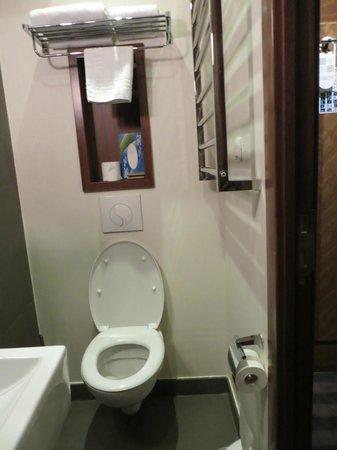 Art Hotel Batignolles: salle de bain/ WC (1)
