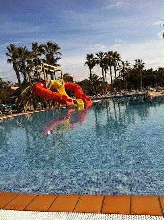 Oasis Duna Hotel: New slides