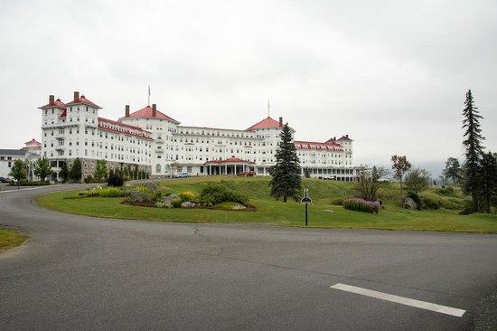 Mount Washington Hotel & Resort Dining Room: Outside
