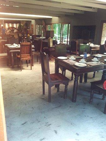 Shangri-La Country Hotel & Spa: Restaurant