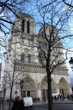 Tours de la Cathedrale Notre-Dame : Главный фасад Собора