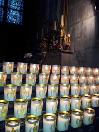 Tours de la Cathedrale Notre-Dame : Свечи Собора
