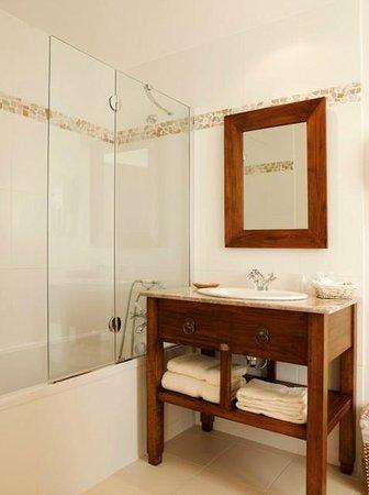 Hotel Tumulus : Salle de bain