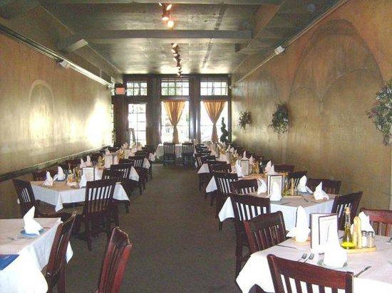 AL Fresco's: Main Dining Room