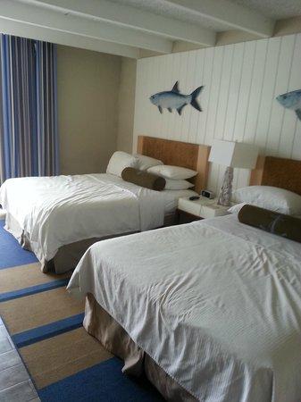 Postcard Inn Beach Resort & Marina: Bedroom