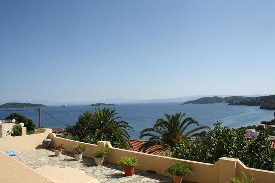 Poseidon Villas : Utsikten från rummet dagtid