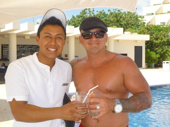 Live Aqua Beach Resort Cancun: Le meilleur serveur Jonathan....