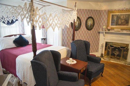 Cornell Inn Lenox : Bedroom