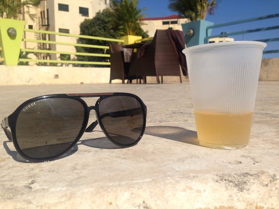 Ramada Santo Domingo Princess Hotel: Pool area..