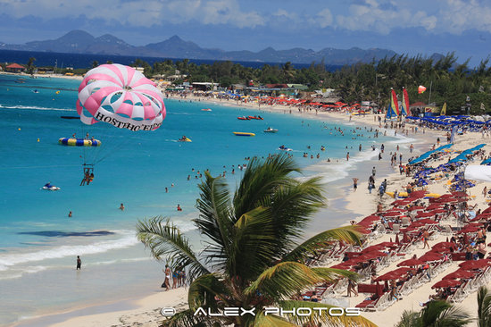 Blue Bay Beach Hotel: If you love the thrill Orient Bay beach is the good place for you.