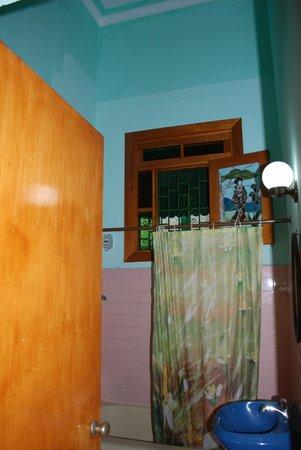 Hosteria Cartacuba: Bathroom