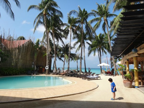 Microtel Inn & Suites by Wyndham Boracay: nice pool